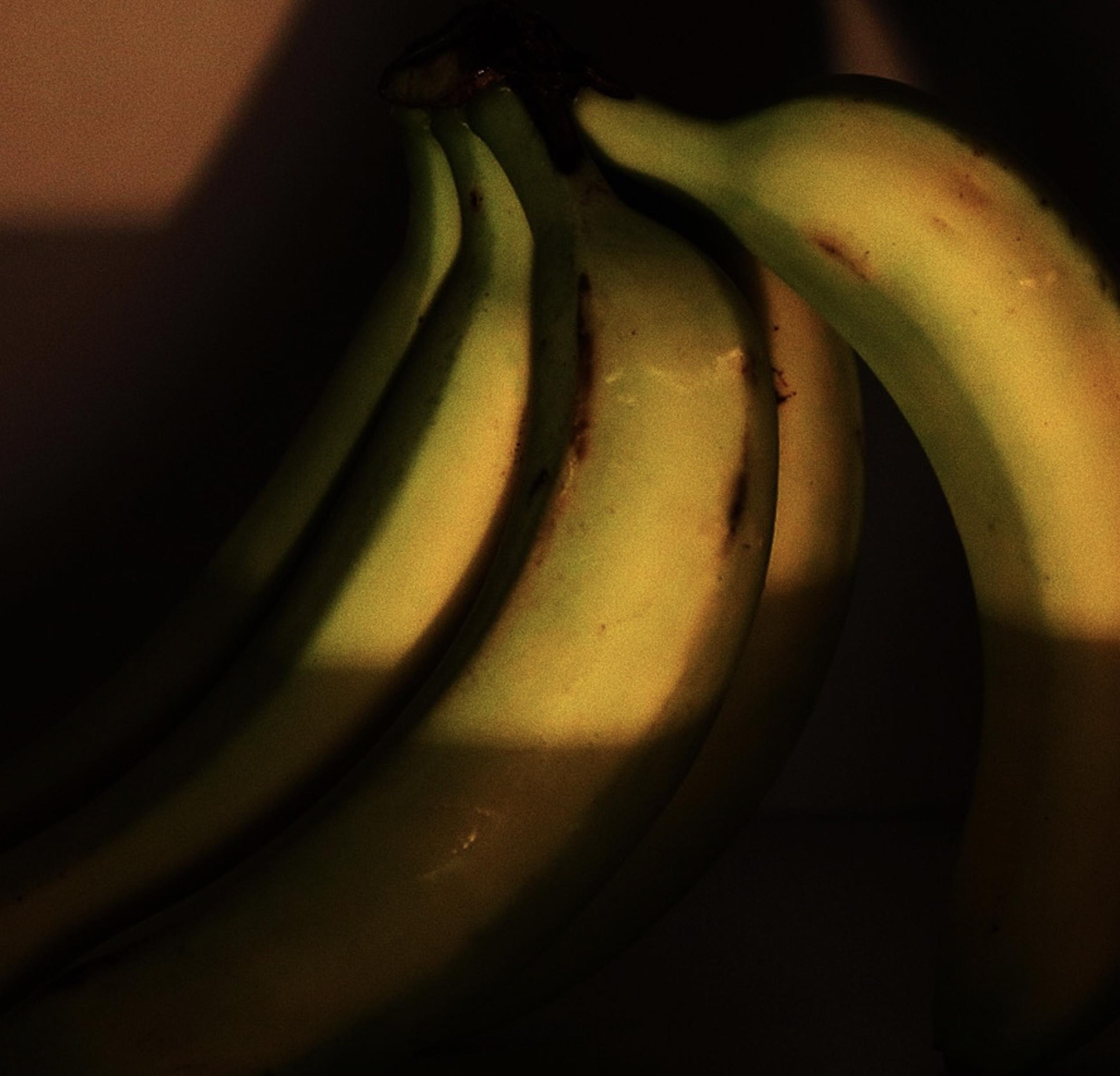 Molehill-Banana-Crossbody-Bag