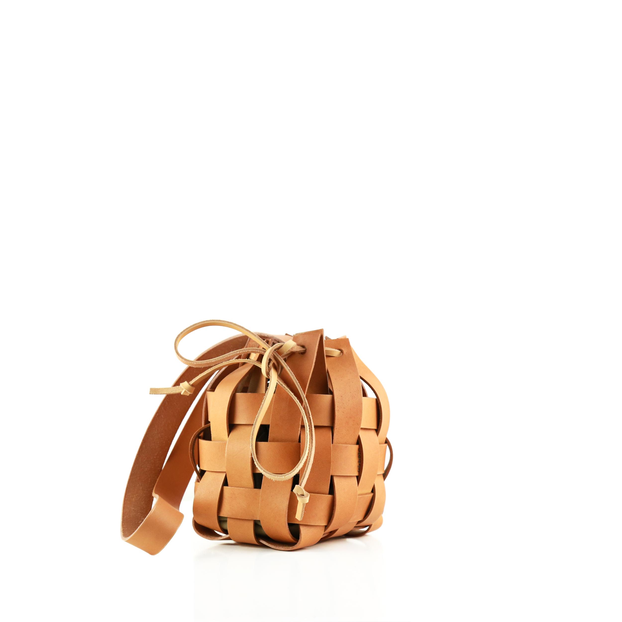 Pane-Woven-Basket-Bag-1