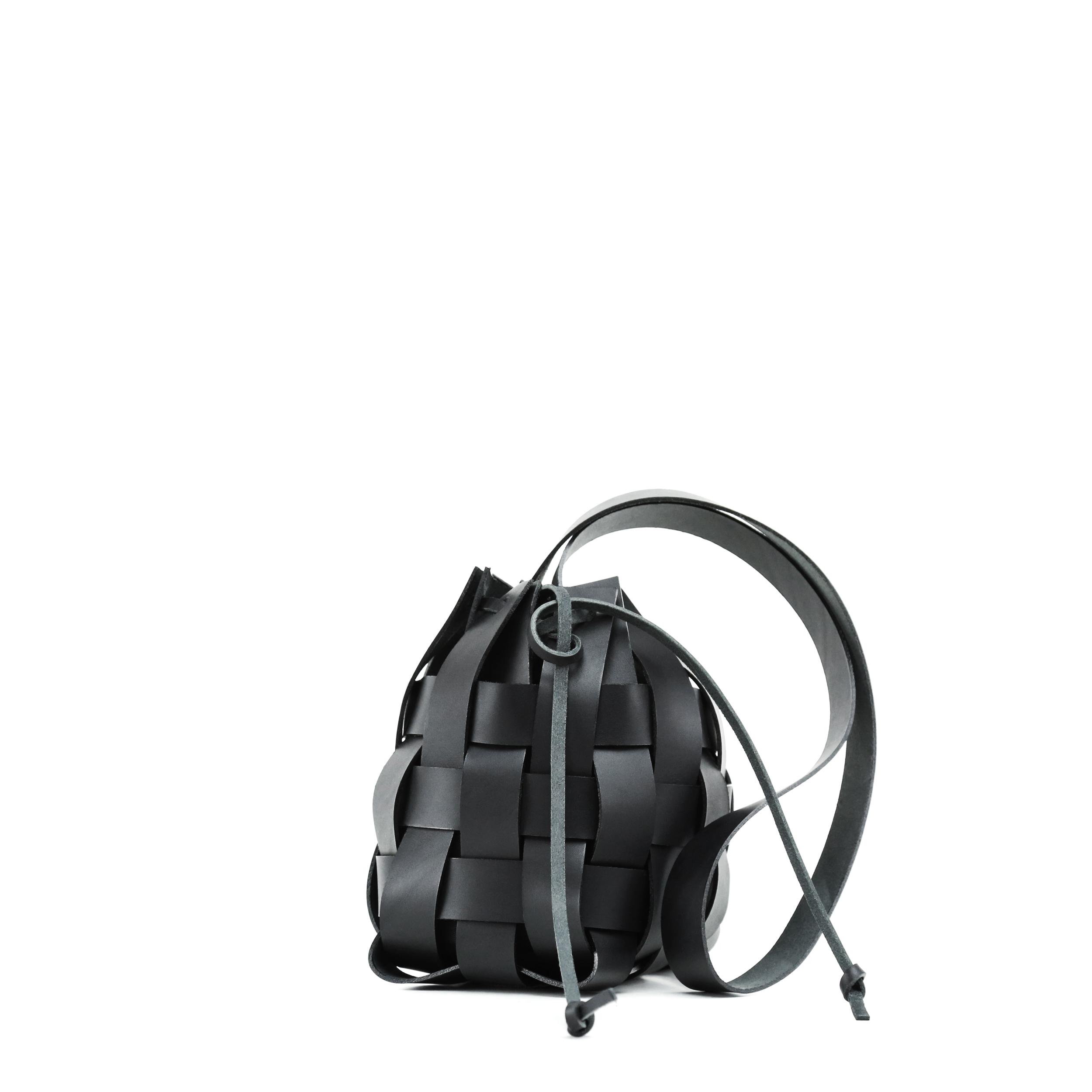Torba-PANE-Woven-Basket-Bag-Black-2