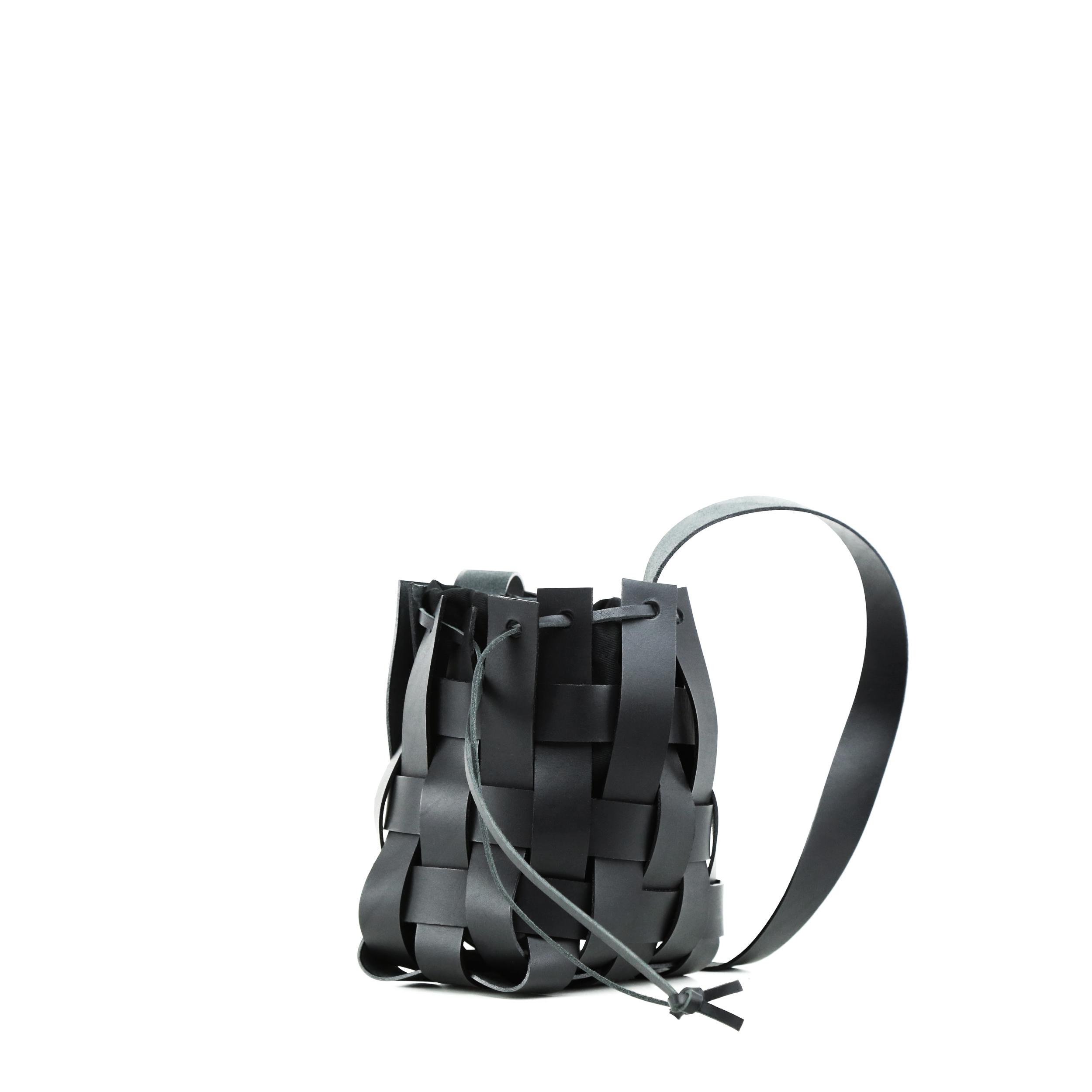 Torba-PANE-Woven-Basket-Bag-Black-3
