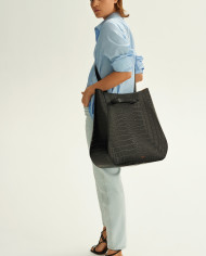 Molehill-Lookbook-Lesa-Large-Handbag-Croco-Black-Special-Edition