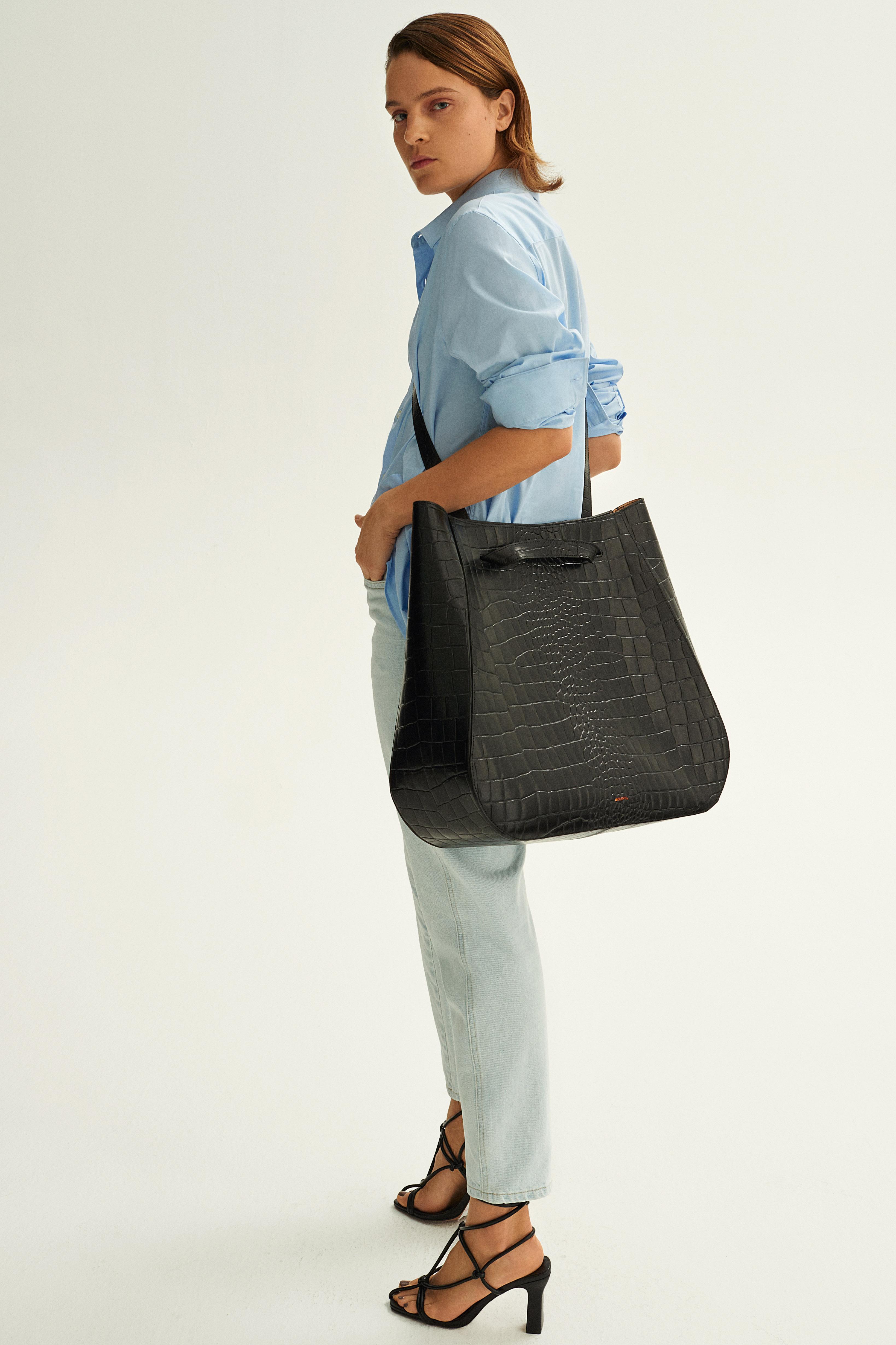 Molehill-Lookbook-Lesa-Large-Handbag-Croco-Black-Special-Edition