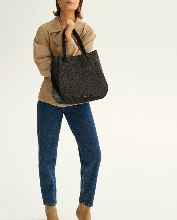 Molehill-Lookbook-Lesa-Medium-Handbag-Croco-Black-570x708