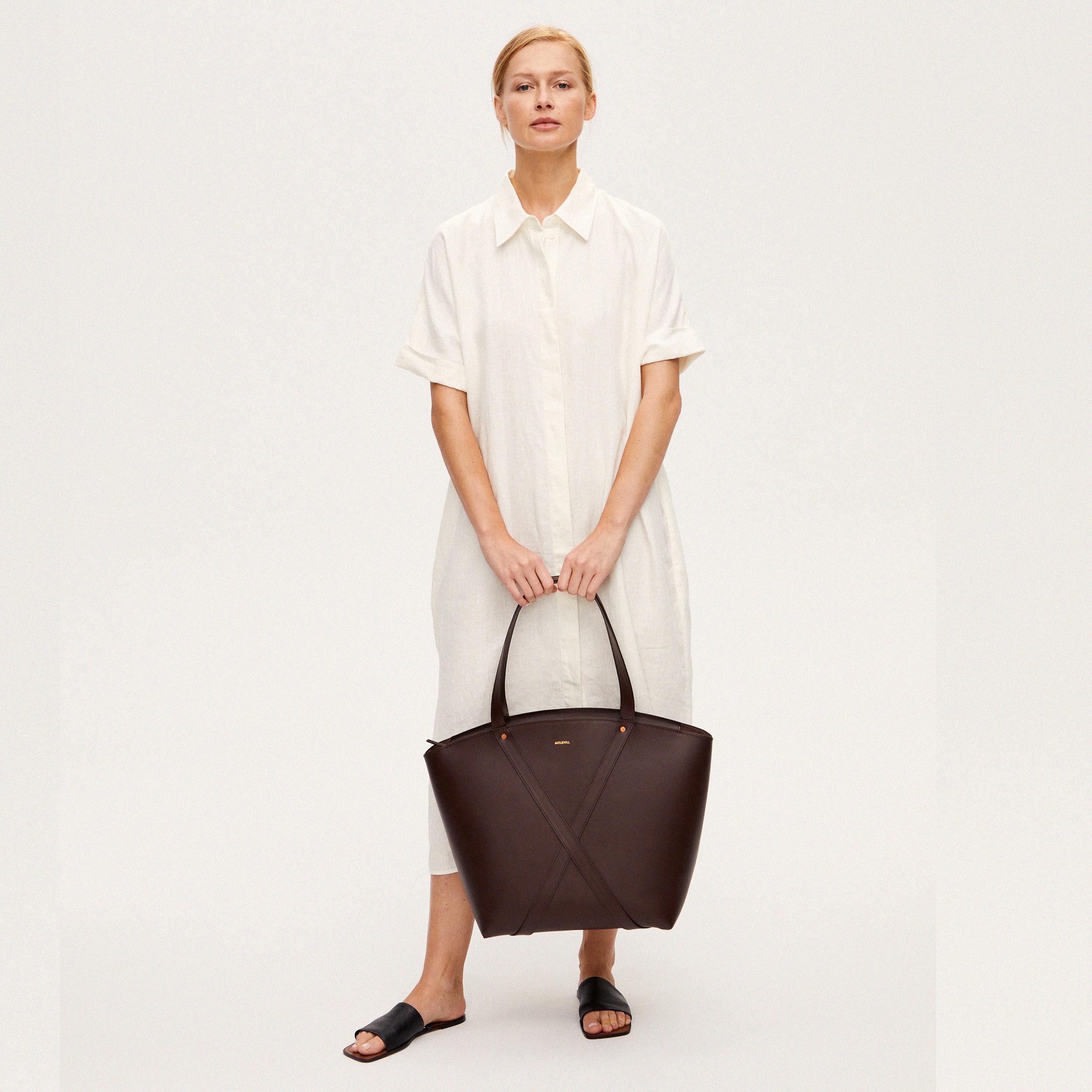 Torba BONDIA Weekender Bag Dark Chocolate-look-2